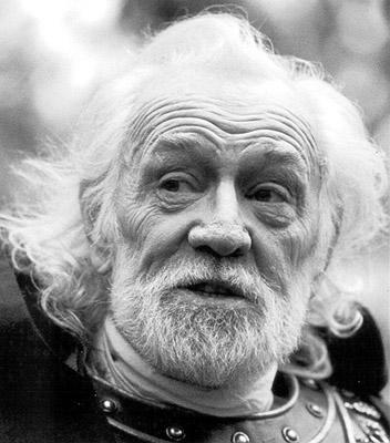 Richard Harris is Emperor Marcus Aurelius in Dreamworks' Gladiator