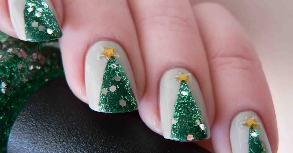 15 Festive Manis To Get You In The Holiday Spirit