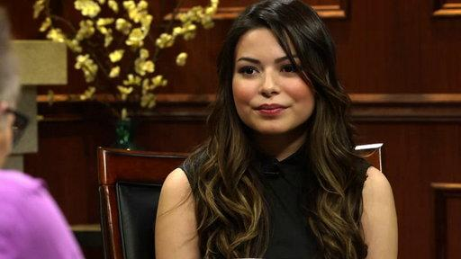 """iCarly"" Actress Miranda Cosgrove On Idols Tina Fey & Kristen Wiig"