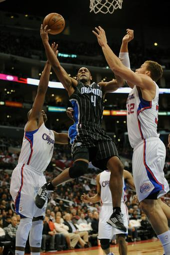 Magic beat Clippers 104-101 to end 10-game skid