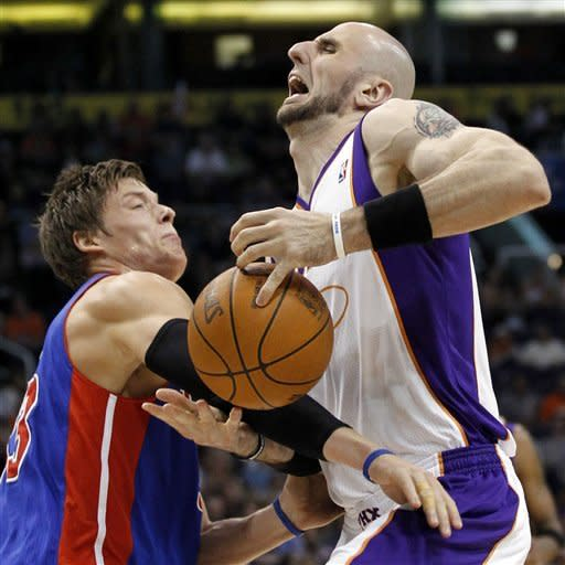 Dudley, Nash lead Suns to 109-101 win over Pistons