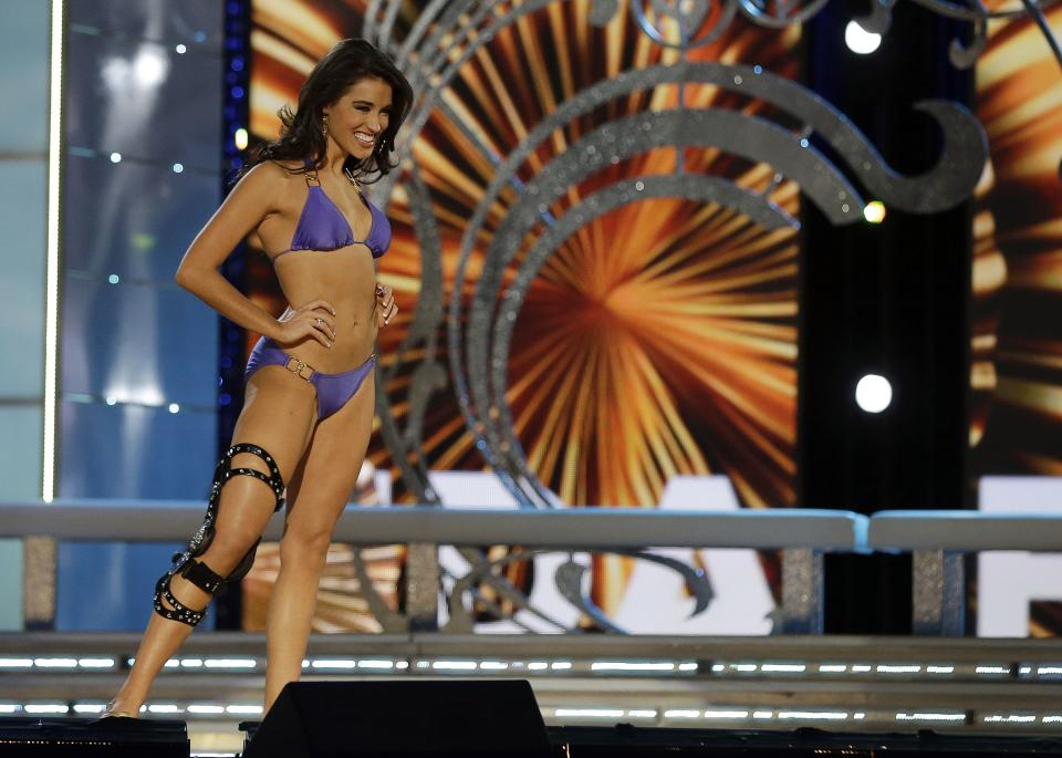 Miss Florida Myrrhanda Jones wears a swimsuit during the lifestyle competition during the Miss America 2014 pageant, Sunday, Sept. 15, 2013, in Atlantic City, N.J. (AP Photo/Mel Evans)