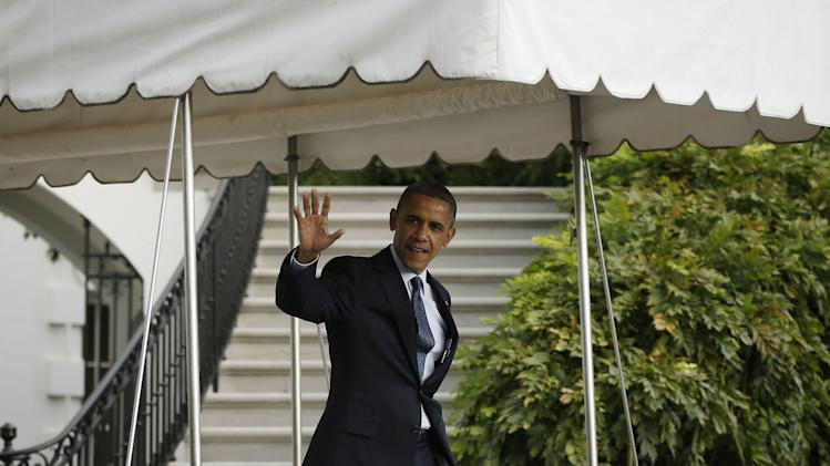 Obama promotes positive signs in housing market