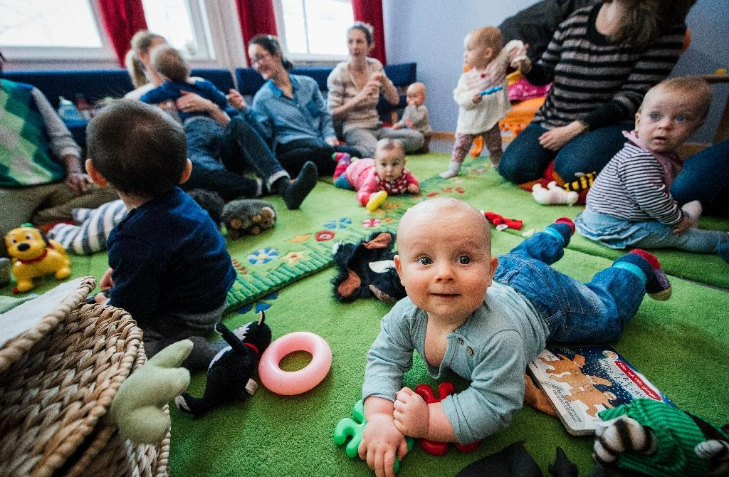 Baby groups help immigrant mums integrate in Sweden