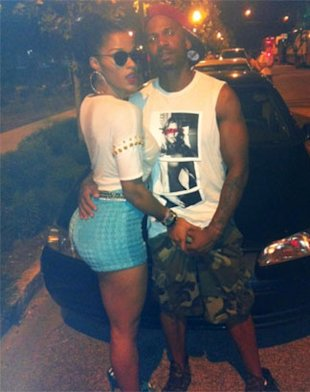 Love &amp;#38; Hip-Hop&amp;#039;s Joseline Grabs Stevie J&amp;#039;s Manhood!