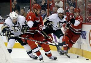 Tlusty, Eric Staal lead Hurricanes past Pens 4-1