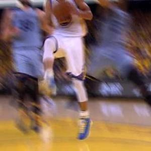 Curry Beats The Defense