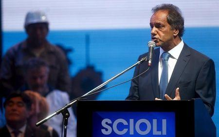 Scioli may have backing for first-round Argentina vote win: poll