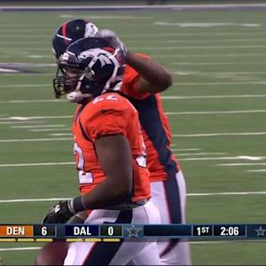 Denver Broncos running back C.J. Anderson breaks off a 1-yard touchdown run