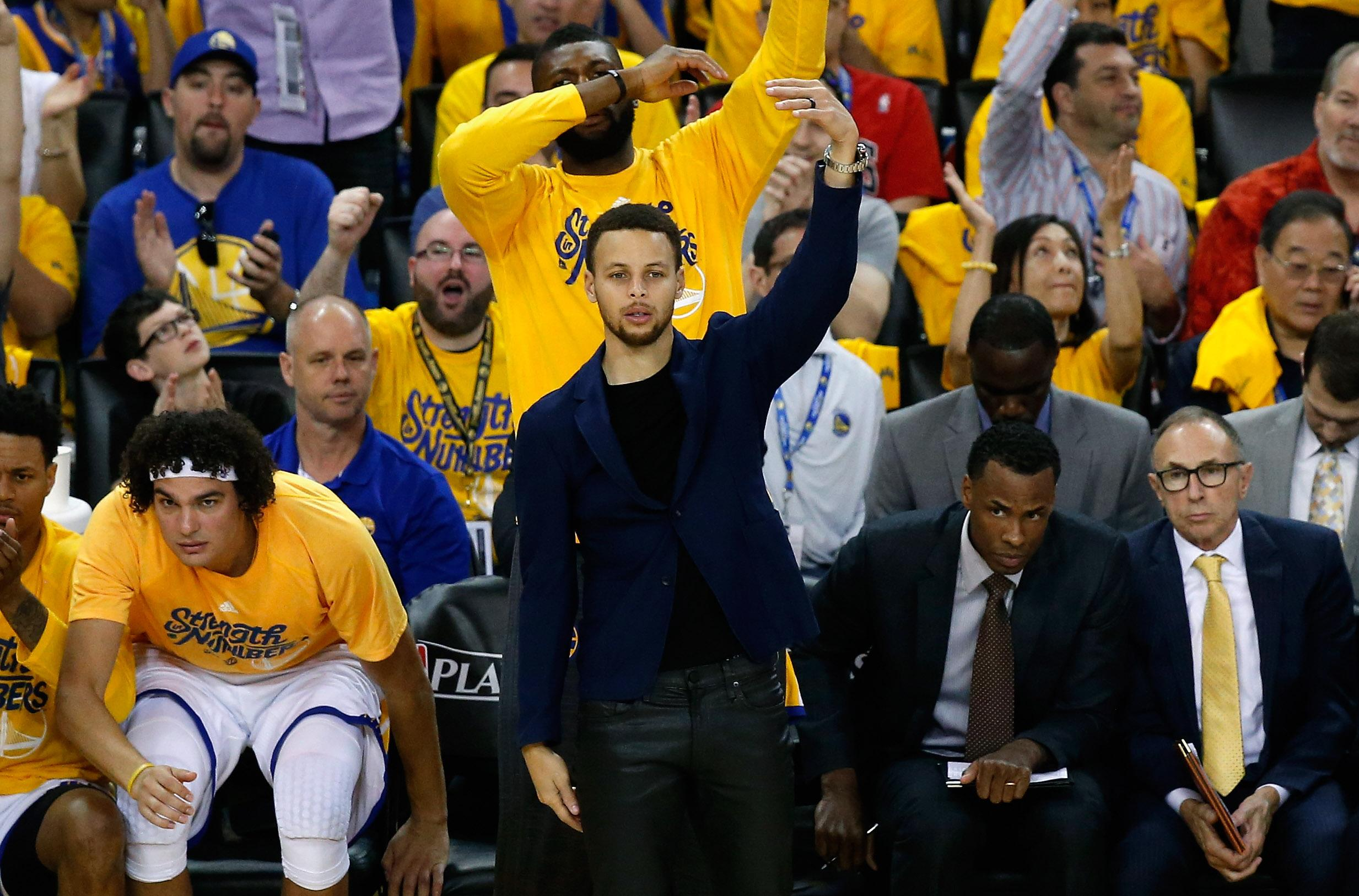 Warriors roll on in NBA as injured Curry eyes return