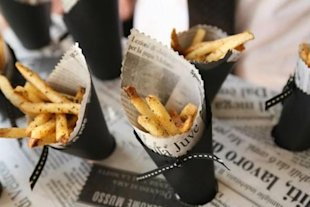 French Fry Cones, outdoor wedding inspiration, Villa Montalvo wedding venue, Los Gatos California we