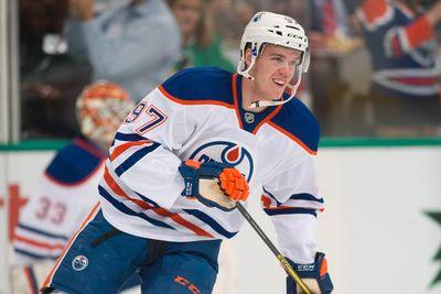 Connor McDavid scores first NHL goal with a sweet deflection