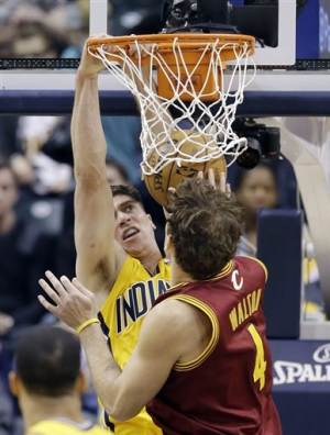 Pacers rally from 16 points down, beat Cavs 96-81