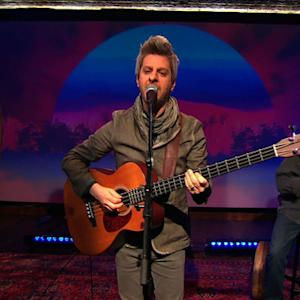 "Mike Gordon performs first single ""Long Black Line"" from album ""Overstep"""