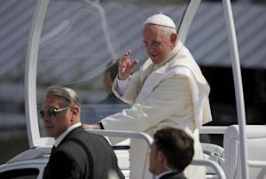 Pope Francis waves in Holguin