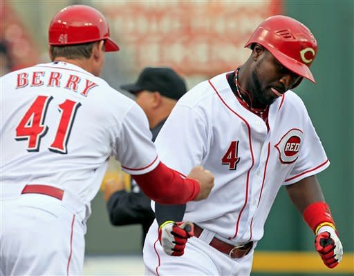 Phillips hits 2 HRs, Reds beat Braves 4-3