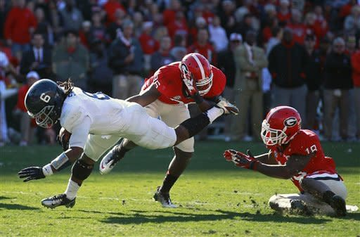 Georgia's Murray throws 4 TD passes in 45-14 rout