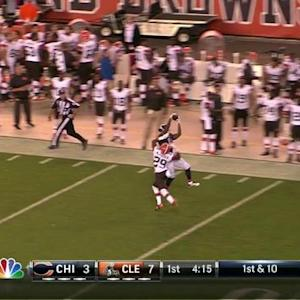 Chicago Bears quarterback David Fales hits wide receiver Josh Bellamy for 32 yards