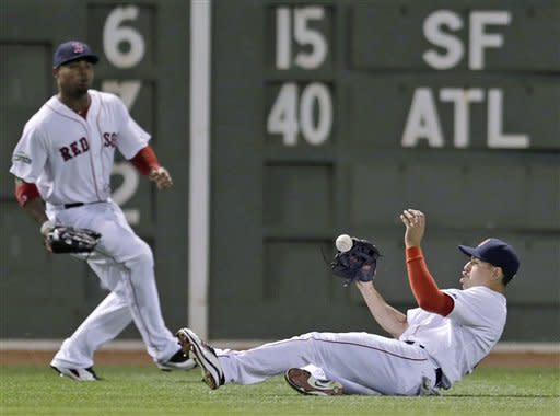 Ross' 3-run HR in 9th wins it for Red Sox
