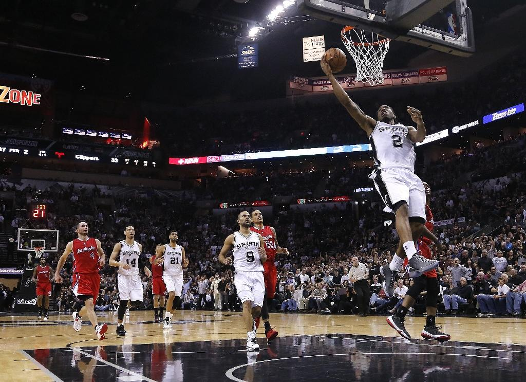 Leonard nets career-high 32 in Spurs' win over Clippers