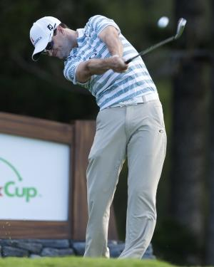 Zach Johnson tees off on the second hole during the second round of the Tournament of Champions golf tournament, Saturday, Jan. 4, 2014, in Kapalua, Hawaii. (AP Photo/Marco Garcia)