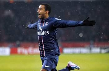 Lucas Moura respects Neymar for staying in Brazil