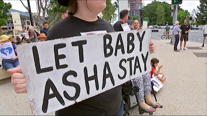 Protests support Brisbane hospital's refusal to release asylum baby