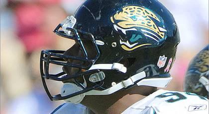 Jaguars DE Mincey not the same force from 2011