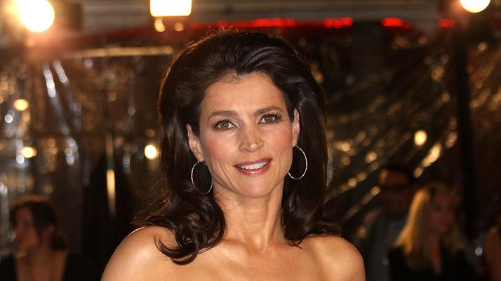 The Curious Case of Benjamin Button Premiere LA 2008 Julia Ormond