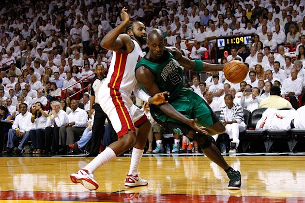 Kevin Garnett #5 Of The Boston Celtics Drives Getty Images