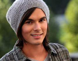 'Pretty Little Liars' Tyler Blackburn Joins Spinoff Series 'Ravenswood'
