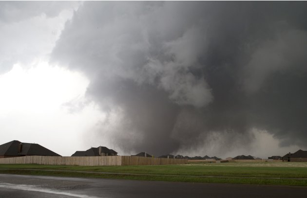 A huge tornado approaches the town of Moore, Oklahoma