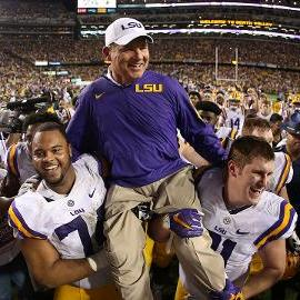 LSU AD says Les Miles will continue as football coach