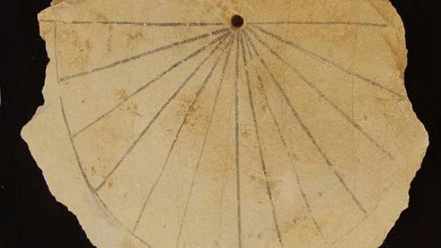 Ancient Egyptian Sundial Discovered at Valley of the Kings