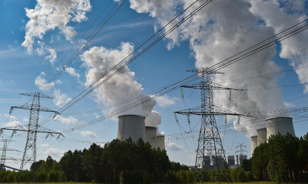 Six energy companies call for carbon pricing
