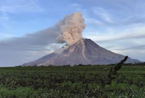 Mount Sinabung spews volcanic materials from its crater …