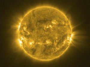 Sun's Magnetic Field Flip Won't Doom Earth, Scientists Say