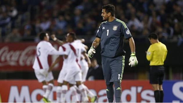 World Cup - Out of favour Romero is Argentina's number one