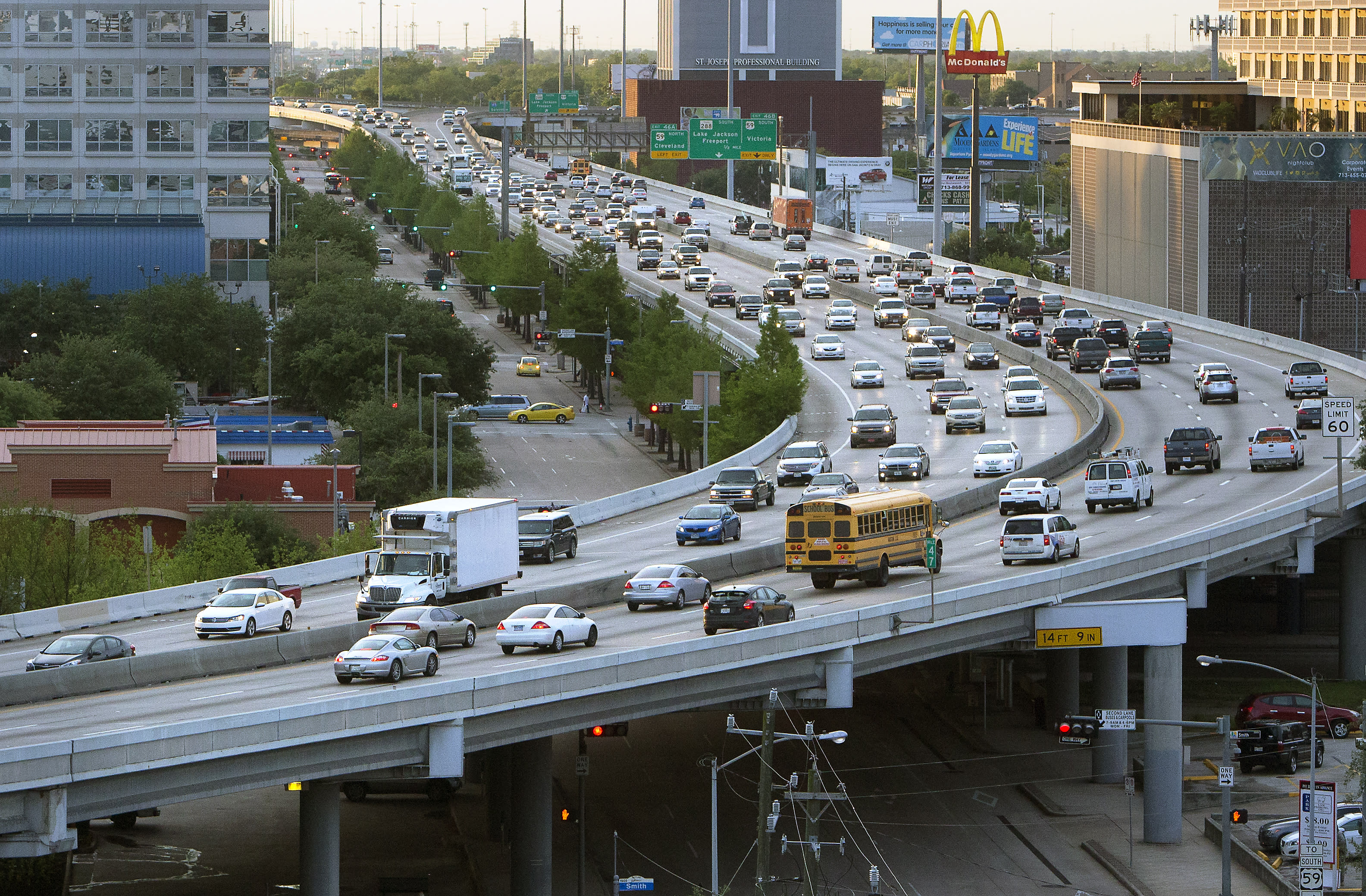 Pricey plan looks to alleviate Houston interstate congestion