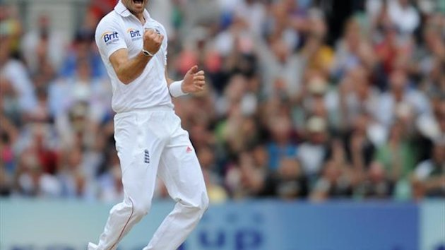 James Anderson claimed three wickets as India closed on 87 for four