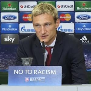 Two-goal Kiessling makes right headlines in Leverkusen romp