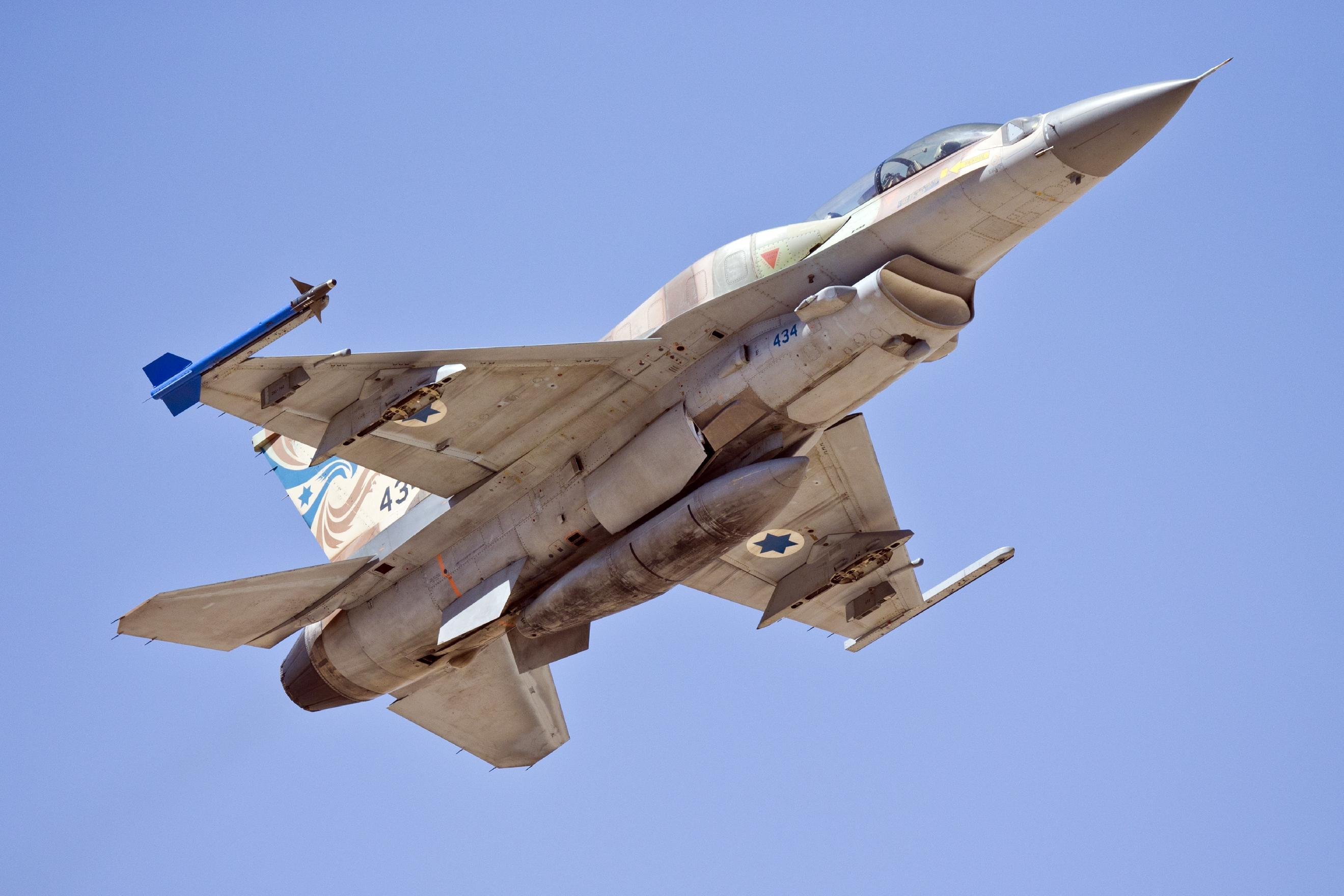 Israel air force hits Syrian army after Golan rocket fire