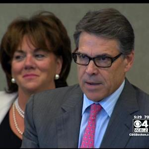Texas Gov. Perry Stumps In NH For GOP Candidates