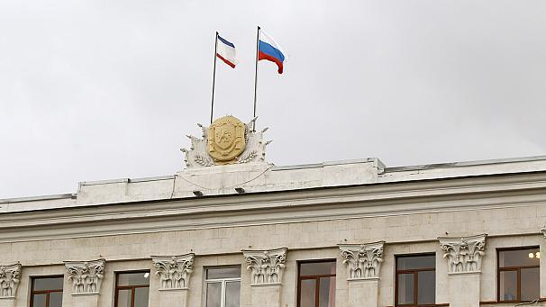 Crimean parliament votes unanimously to become part of Russia