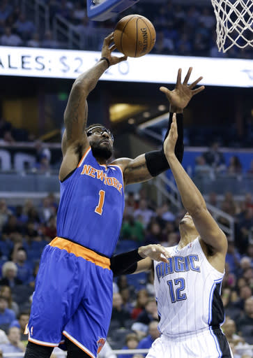 Knicks lose Carmelo Anthony, hold off Magic 103-98
