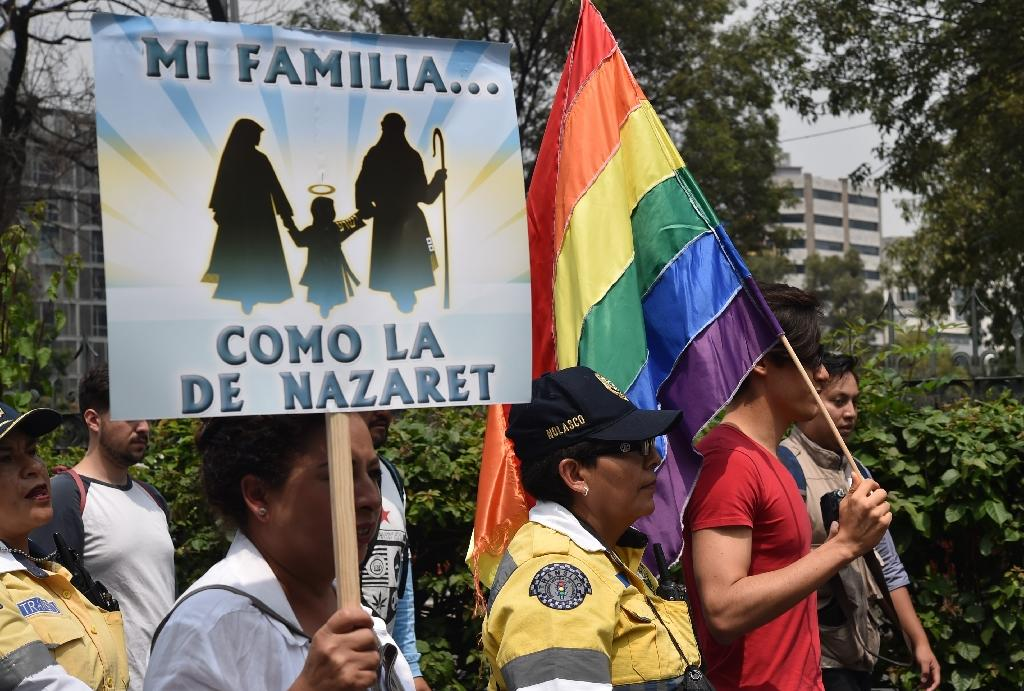 Marchers in Mexico City decry same-sex marriage