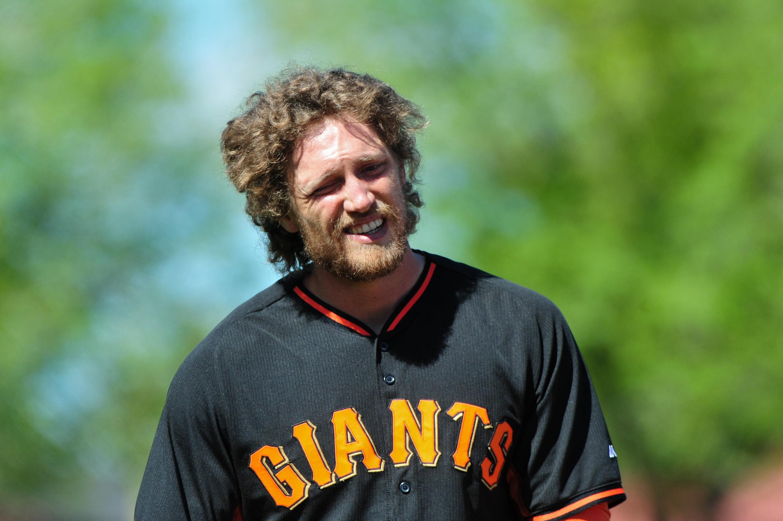 Hunter Pence attempts to ease mind of pitcher who broke his arm