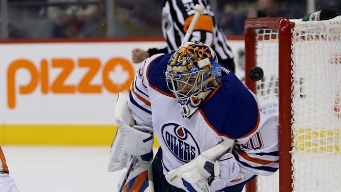 Jets hang on to beat Oilers after 3-0 lead
