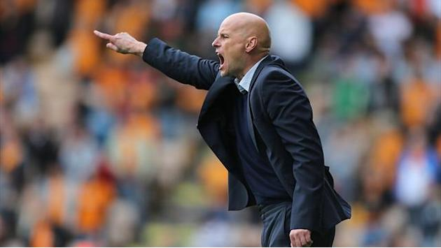 Football - Solbakken fumes at penalty decision