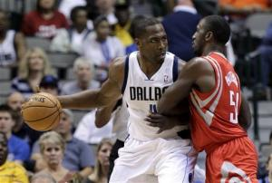 Mayo, Mavs beat Rockets without Nowitzki